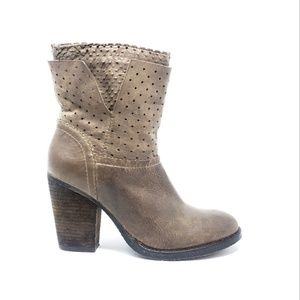 Steven Taupe Kobbra Ankle Boots